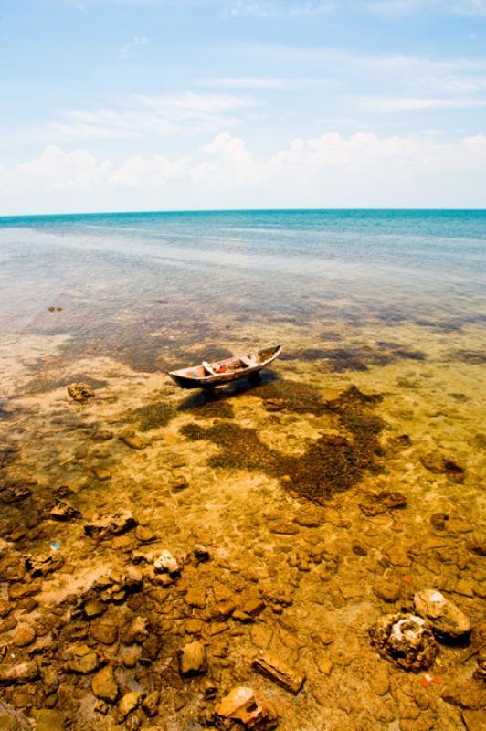 Canoa en el Mar, Islas de Rosario, Cartagena, Boli...