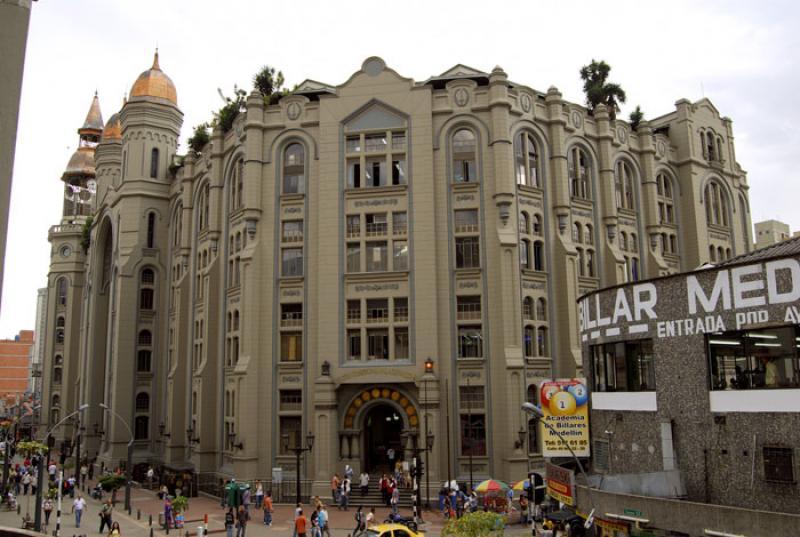 Palacio Nacional de Medellin, Calle Carabobo, Mede...