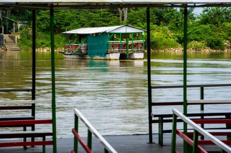 Planchon en el Rio Sinu, Monteria, Cordoba, Colomb...