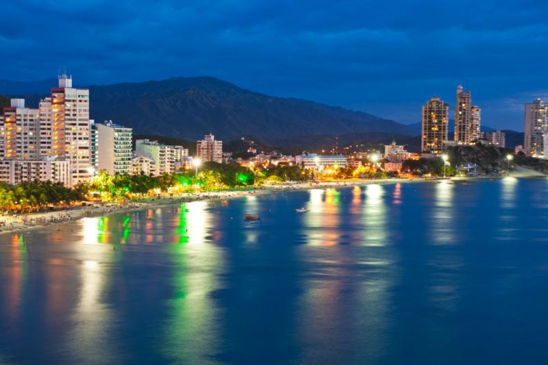 Panoramica Nocturna del Rodadero, Santa Marta, Mag...